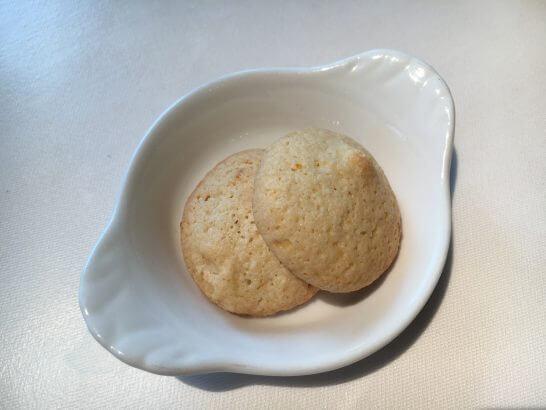 イル ピノーロ 梅田店の小菓子
