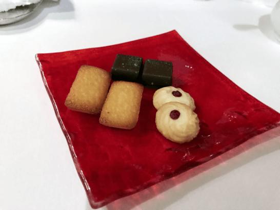 椿山荘のイル・テアトロの焼き菓子