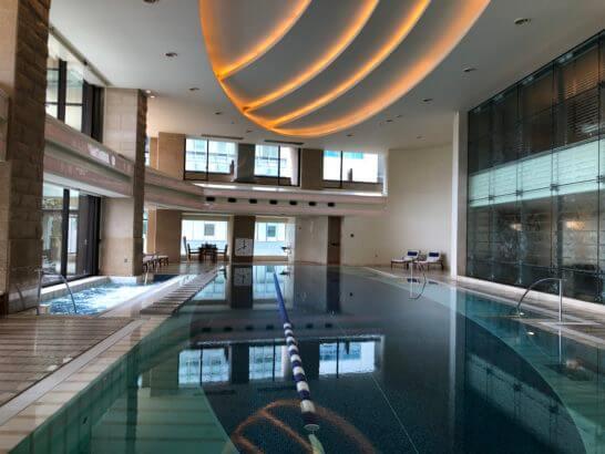 ペニンシュラ東京のプール