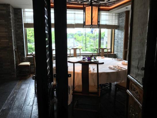 ザ・ペニンシュラ東京の中国料理「ヘイフンテラス」の多人数の席