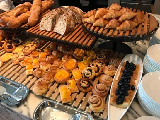 パレスホテル東京の朝食のパン