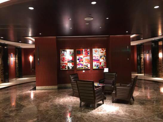 ANAインターコンチネンタルホテル東京のレストランフロアのロビー
