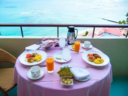 ハワイ旅行の朝食