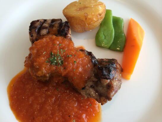 レストランのコース料理 (フュージョンダイニングF)