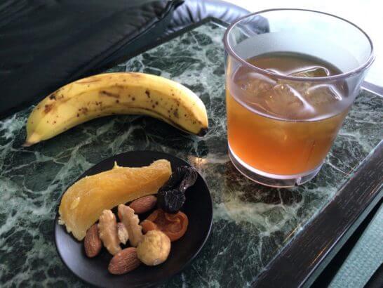 クラブオンザパークのお茶・バナナ・ドライフルーツ・ナッツ