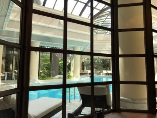 椿山荘のプール