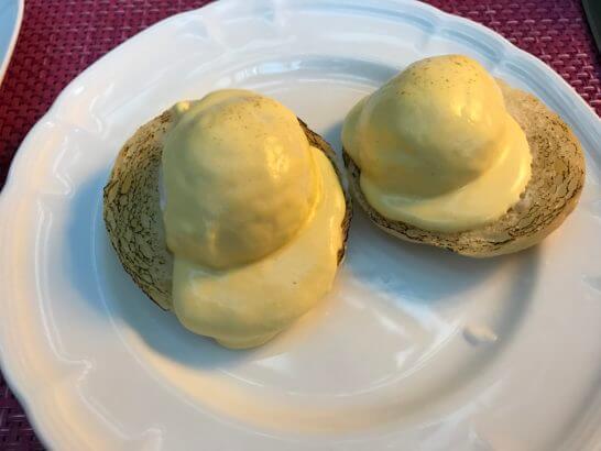東京マリオットホテルの朝食のエッグ・ベネディクト