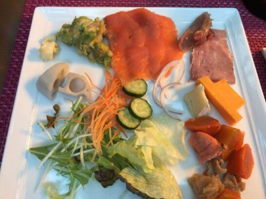 東京マリオットホテルの朝食のコールドミール・サラダ