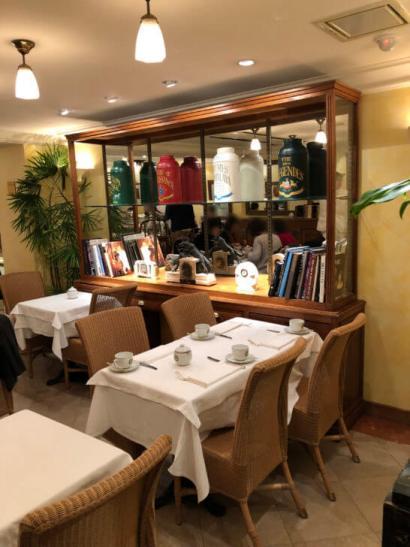 マリアージュフレール銀座本店3Fのテーブル