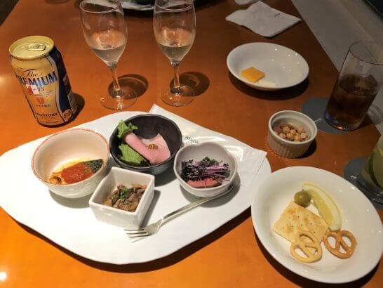 ウェスティン都ホテル京都のクラブラウンジ(カクテルタイムの食事)