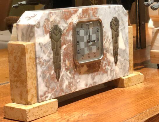 マリアージュ フレール 銀座本店の時計