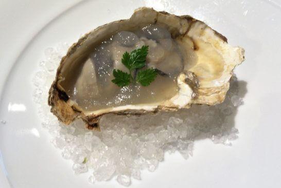 レストランの牡蠣