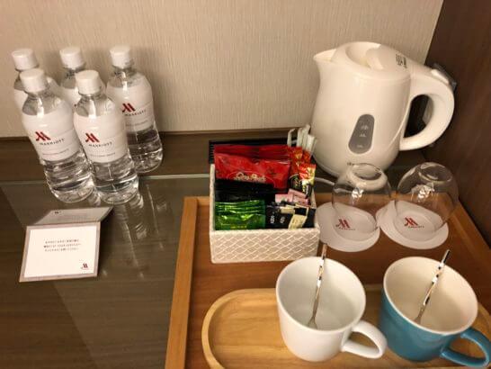 軽井沢マリオットのエグゼクティブ・スイートのミネラルウォーター・お茶