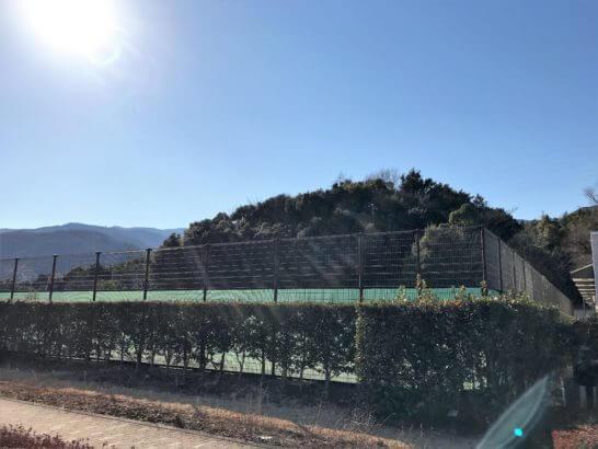 ヒルトン小田原の屋外テニスコート