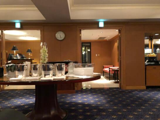ウェスティンホテル東京 エグゼクティブ クラブラウンジの中央テーブル