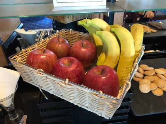 ウェスティンホテル東京 エグゼクティブ クラブラウンジのりんごとバナナ