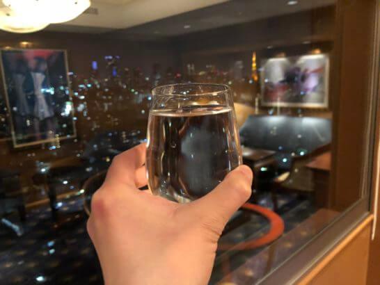 ウェスティンホテル東京のエグゼクティブ・クラブのミネラルウォーター