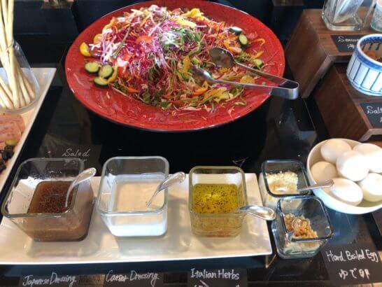 ウェスティン・エグゼクティブ・クラブラウンジの朝食 (サラダ)