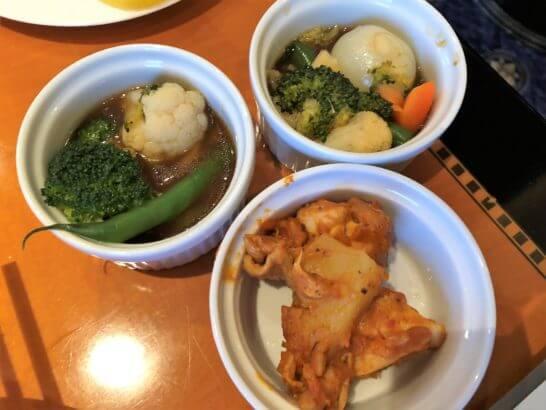 ウェスティンホテル東京 エグゼクティブ クラブラウンジの煮野菜・チキン・ポテト