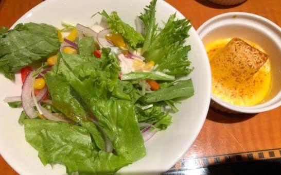 ウェスティンホテル東京のエグゼクティブ クラブラウンジのサラダ、グラタン