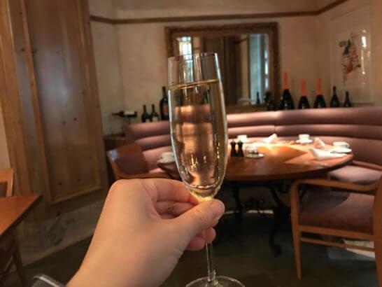 ザ・リッツ・カールトン大阪の朝食ビュッフェのスパークリングワイン