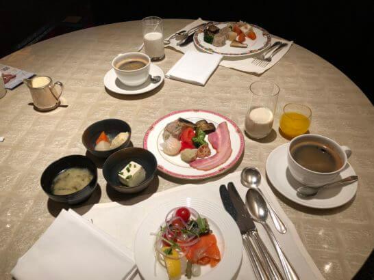 ウェスティンホテル東京のザ・テラスのテーブル