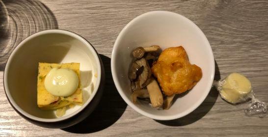 東京マリオットホテルのエグゼクティブラウンジの卵料理・キノコ・鶏肉・チーズ