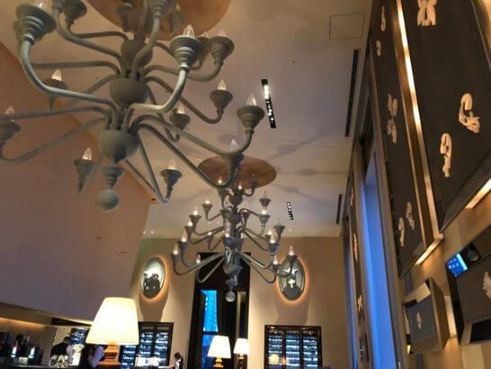 セントレジスホテル大阪のラ ベデュータの空間