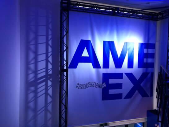 アメックスのイベント「#AmexLife」の会場の壁
