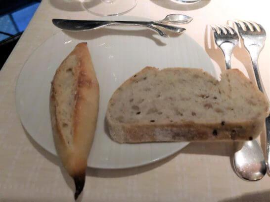 ベージュ アラン・デュカス 東京のパン