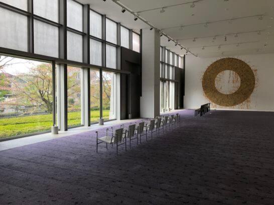 京都国立近代美術館の1Fホール
