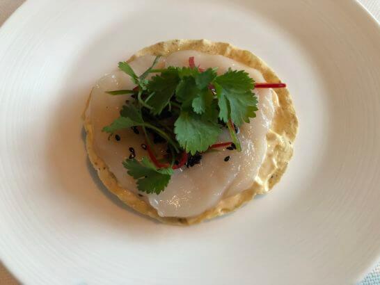 帆立貝のトスターダ ハバネロと黒胡麻