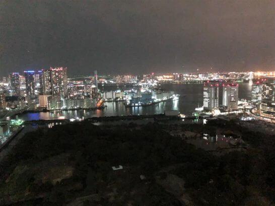 コンラッド東京のスイートルームからの夜景