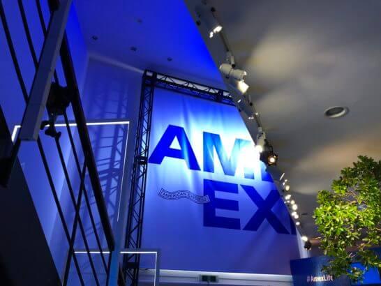 #AmexLifeの会場 1Fから2Fを見上げたところ