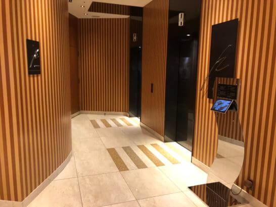 ザ・ペニンシュラ東京の24FのレストランPeterへのエレベーター