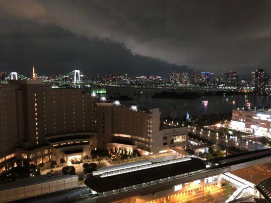 グランドニッコー東京台場の客室からの夜景