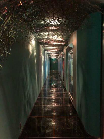ザ・ペニンシュラ東京のPeterの廊下