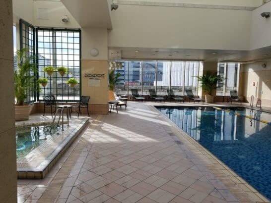 横浜ベイシェラトンホテルのプール