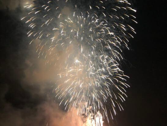 アメックスの横浜花火大会の花火 (8)