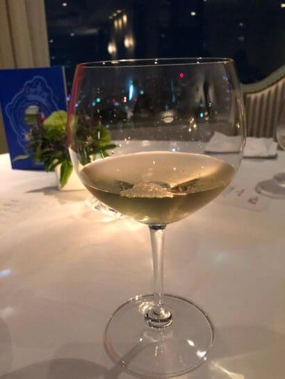 ホテルニューオータニのベッラ・ヴィスタの白ワイン