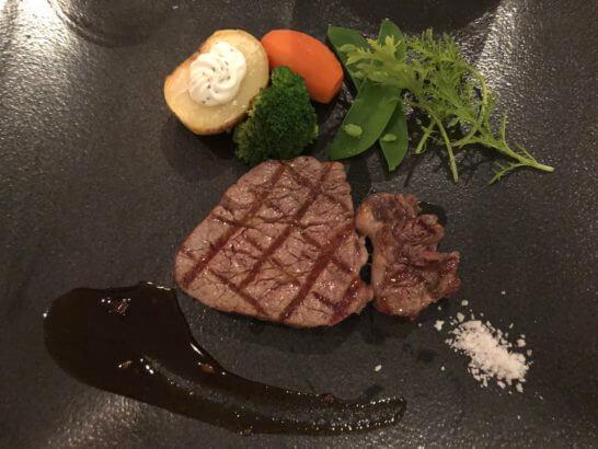 牛フィレ肉の備長炭グリル