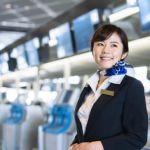 空港のグランドスタッフの女性