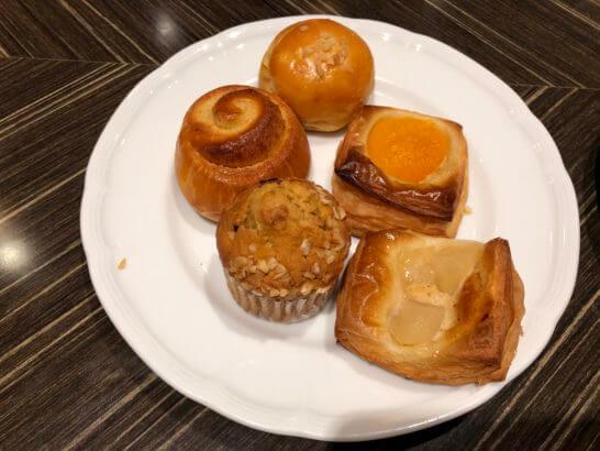 横浜ベイシェラトンホテルのデニッシュパン、マフィン等