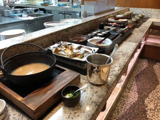 横浜ベイシェラトンホテルのコンパスの朝食ホットミール
