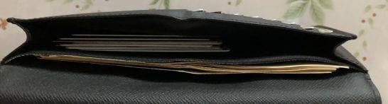 30代独身男性の財布の中身(左半分の札とカードポケット)