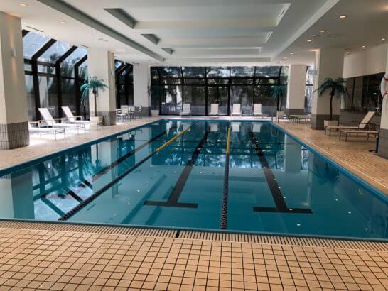 ヒルトン東京ベイの室内プール