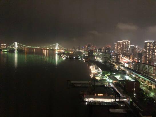 ホテルインターコンチネンタル東京ベイの客室からの夜景