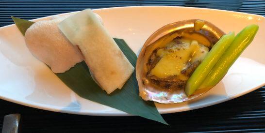 ヨコハマグランドインターコンチネンタルホテルの中国料理「カリュウ」 の北京ダックとあわび姿のサテ醤風味オーブン焼き
