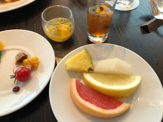 フォーシーズンズホテル丸の内 東京のランチビュッフェのフルーツ・ゼリー