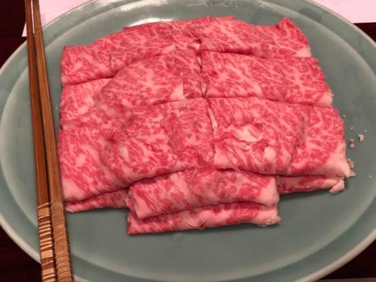 しゃぶしゃぶの霜降り牛肉